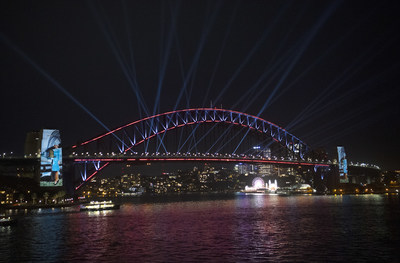 Sydney puts on a spectacular show to commemorate Qantas Airways' Centenary by lighting up the Sydney Harbour Bridge as a birthday cake for a Qantas 787 to do a low level flyover to blow out the candles. The activation, executed by Destination NSW, was a tribute from Sydney, the city which has been home to Qantas for more than eight decades.