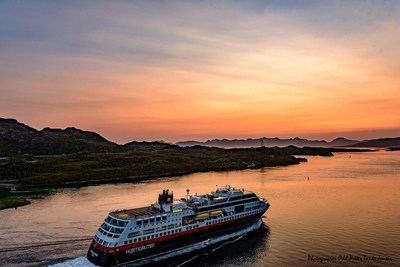 Hurtigruten's Black Friday sale is now exclusively available to travel agents, providing up to 50% off future expeditions.