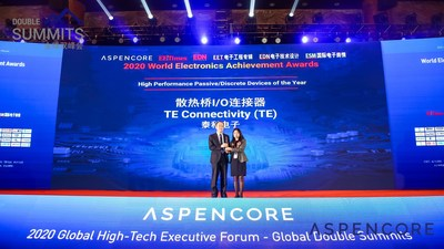 "Zhiliang Yu (left), Engineering Director, Manufacturing Process Development, TE's Data and Devices business unit, accepted the ""High Performance Passive/Discrete Devices of the Year� award on behalf of TE."