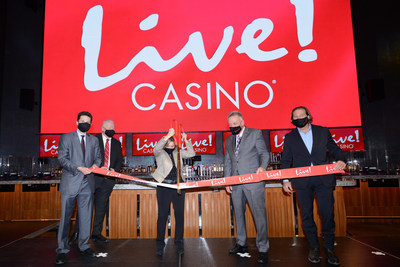 The Cordish Companies tonight held a ribbon-cutting ceremony in celebration of the opening of Live! Casino Pittsburgh. Cordish Principals Jon Cordish and Joe Weinberg were joined by incoming state Senate Majority Leader Kim Ward, state Representative George Dunbar, and Live! Casino General Manager Sean Sullivan to cut the ceremonial ribbon. Live! Casino Pittsburgh is located in Westmoreland County in Western Pennsylvania.