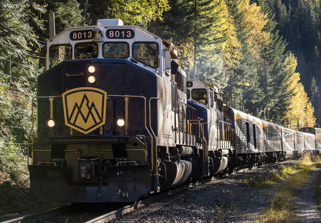 Rocky Mountaineer brings its luxury train journeys to the Southwest United States in 2021 with the Rockies to the Red Rocks route, a two-day rail journey between Denver, Colorado,and Moab, Utah,with an overnight stay in Glenwood Springs, Colorado.