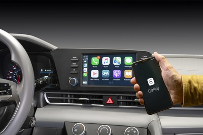 Wireless Apple CarPlay inside the 2021 Hyundai Elantra.