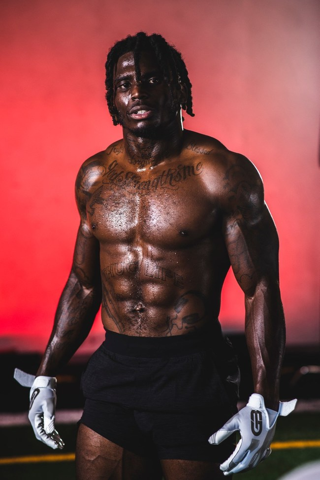 Kansas City Chiefs wide receiver invests in Grip Boost football gloves