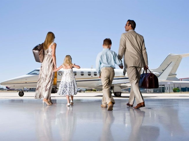 Family private jet travel