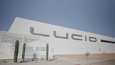 Lucid Motors inovou com a primeira fábrica exclusiva de veículos elétricos, construída do zero na América do Norte há menos de um ano atrás. A inovadora fábrica AMP-1 está pronta para começar a produção da nova geração de veículos elétricos, Lucid Air, em alguns poucos meses.