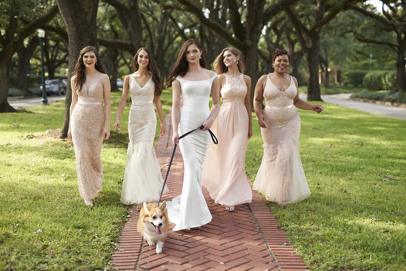 """For brides not wishing to break the bank, Avery Austin's  """"Try-at-Home"""" program offers luxe looks for less!"""