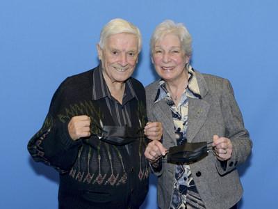 Les gagnants Alice Vien et Marcel Landry (Groupe CNW/Loto-Québec)
