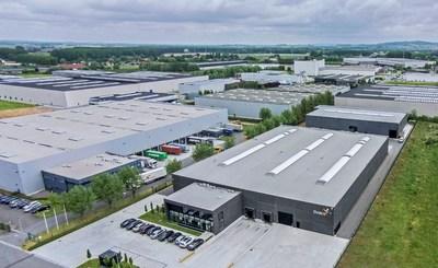 LyondellBasell y SUEZ anunciaron conjuntamente la adquisición de TIVACO, una compañía de reciclaje de plásticos localizada en Blandain, Bélgica. La adquisición incrementará la capacidad de producción de materiales reciclados de la compañía en Quality Circular Polymers (QCP), su empresa conjunta 50/50 de reciclaje de plásticos.