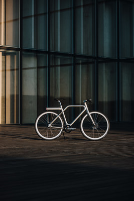 The Angell Bike in Silver as designed by Ora Ito. (PRNewsfoto/PURPLE)
