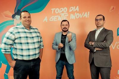 Gustavo Souza (sócio-fundador da Bertha Capital) à esquerda;ao centro Reginaldo Pereira (idealizador do Inova360 e do Batalha das Startups); e Ravi Gama, fundador da 2FIND e diretor de operações do InovaHub. Fotografia por Matheus Calaça