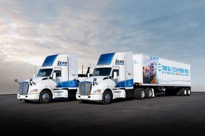 Se están preparando los primeros dos camiones pesados eléctricos de pilas de combustible clase 8 fabricados en el marco del proyecto Instalaciones de carga de emisiones cero y casi cero (ZANZEFF), patrocinado por el estado de California, para su entrega a los clientes de la flota de demostración.