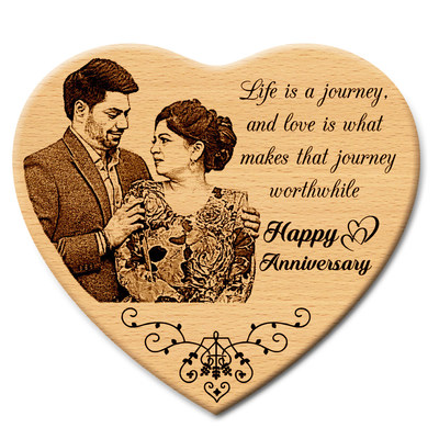 Personalized Wooden Engraved Wedding Gifts Photo Frame by Incredible Gifts (PRNewsfoto/IncredibleGifts.in)