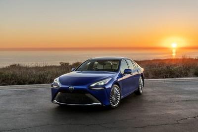 Para 2021, Toyota renovó por completo el Mirai como un FCEV premium deportivo de lujo con tracción trasera, con un diseño impresionante, tecnología de punta, un mayor rendimiento de conducción y una calificación de la EPA estimada en un rango significativamente más largo.