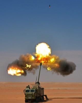 Nora B-52 155mm Howitzer firing