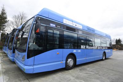 Van Hool A330 Fuel Cell Bus powered by Ballard (CNW Group/Ballard Power Systems Inc.)