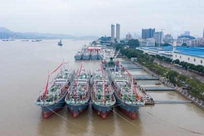 Pingtan's 6 large-scale squid jigging vessels leaving Mawei Port on December 17, 2020.