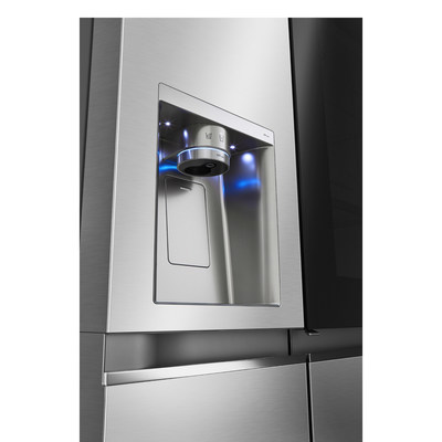 Water Dispenser with UVnano™ of Seamless InstaView® Door-in-Door® Refrigerator