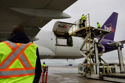 FedEx Express Canada (CNW Group/Federal Express Canada Corporation)