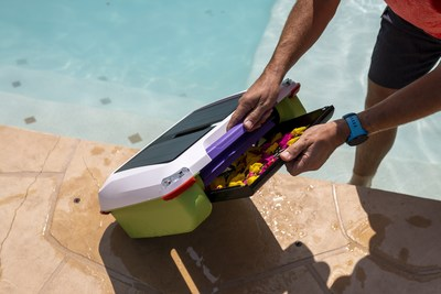 When Ariel's debris tray is full, pull the light-weight robot out of the pool using her non-slip grip handle and easily slide the debris tray out to empty. Rinse the filter screen, slide it back into place, turn her back on, and set her adrift again. Or dive into crystal clear water!