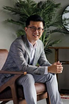 Image: Dr Ivan Puah, directeur médical de la clinique Amaris B., médecin gynécomastie et liposuccion à Singapour