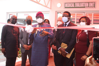 L-R: Herbert Wigwe, Managing Director, Access Bank, Akin Abayomi, Commissioner for Health, Lagos State, Babajide Sanwo-Olu, Governor of Lagos State, Yemi Onabowale, Group Chief Executive Officer, Reddington Hospital Group and his wife, Dayo at the Commissioning of Armoured Shield Isolation Centre at Victoria Island, Lagos.