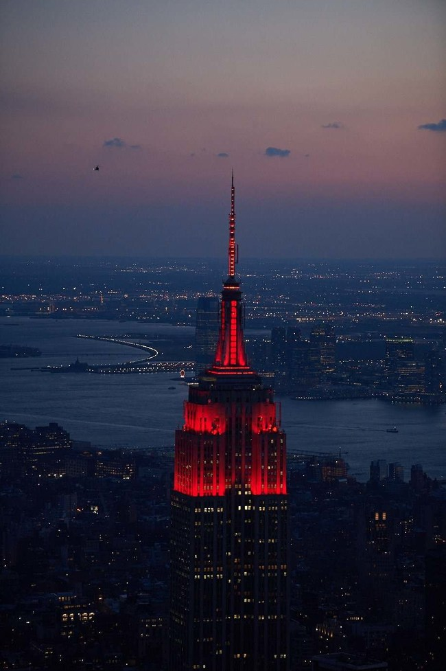 Empire_State_Red_for_COVID_Memorial