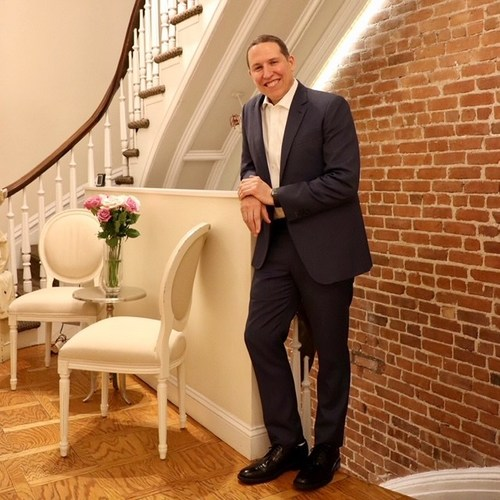 Dr. Stephen Bracci at the Manhattan offices of Verve Medical Cosmetics.