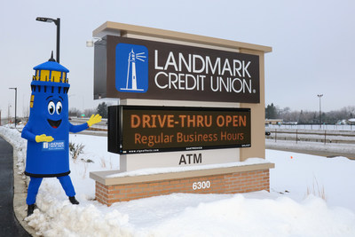 Landmark Credit Union recently celebrated the opening of its new branch in Glendale, Wis. at 6300 N. Port Washington Rd.
