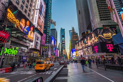 Valla de la Gala de los BIGO 2021 en Time Square, Nueva York