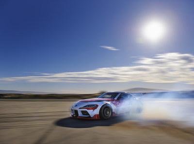 Inspirada por las habilidades de los pilotos de drifting, una investigación busca combinar las tecnologías de automatización de vehículos con algoritmos de inteligencia artificial (PRNewsfoto/Toyota Research Institute)