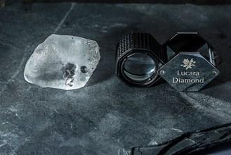 The 341 carat diamond recovered from the Karowe mine (CNW Group/Lucara Diamond Corp.)