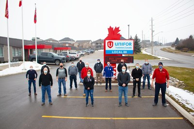 Unifor Local 88 CAMI Bargaining Committee (CNW Group/Unifor)