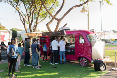 Redefine Meat and Best Meister's food truck served over 600 customers with Alt-Meat in less than five hours (PRNewsfoto/Redefine Meat)