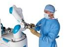 Robô colaborativo participa de cirurgia inédita no Brasil para implante de prótese de joelho