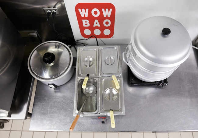 These three items are all a restaurateur needs to become a Wow Bow partner kitchen.