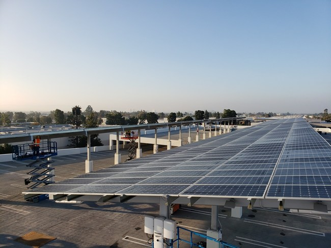 Stellar Solar made the shade in 2020 by adding to its growing fleet of carport shade structures. The 356kW system in Tustin, California not only supplies electricity for the facility, but also provides members with 120 new shaded parking spaces. (PRNewsfoto/Stellar Solar)