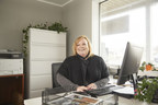 """Century 21 Real Estate Honors Laura Ennis With """"Relentless Agent Award"""""""