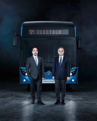TEMSA CEO Tolga Kaan Dogancioglu, Industry SBU President of Sabancı Holding and Chairman of the Board of Directors of TEMSA (Left to right)
