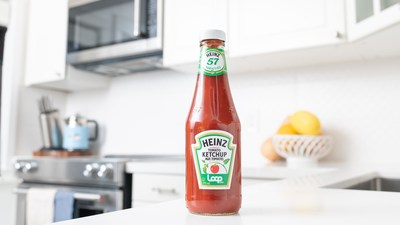 Heinz's recyclable glass bottle is now reusable through Loopstore.ca (CNW Group/Kraft Heinz Canada)