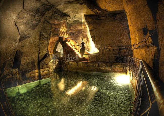 Naples Underground (Napoli Sotterranea) led by Archaeologist Vincenzo Albertini
