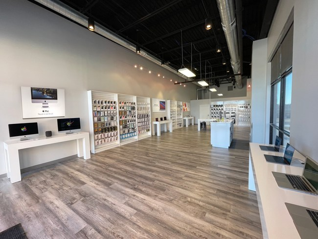 Simply Mac, Inc. – Inside of New Colombia Missouri Store
