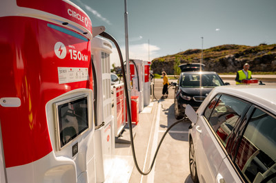 Circle K operates over 500 high-speed chargers in Norway. (CNW Group/Alimentation Couche-Tard Inc.)