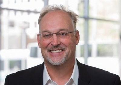 Bruce Jackson joins Santander Consumer on April 28, 2021, as Head of Santander Auto Finance