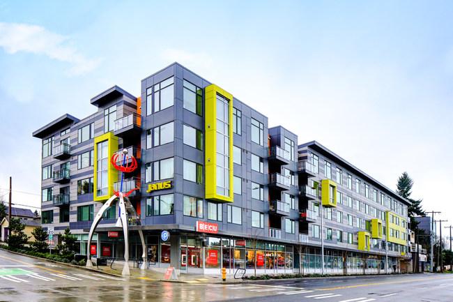 Janus Apartments