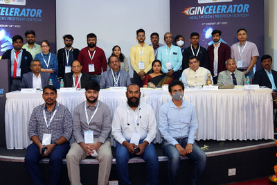 Founders and CEOs of 18 Startups, who are getting the benefit of Gincelerator 2.0 at the launch of accelerator programme of Ginserv, with Girish Hiremath, COO, GINSERV; PKB Menon, Managing Director, GINSERV; C G Betsurmath Chairman, GINSERV; Meena Nagaraj, Director, Department of Electronics, IT & BT, Managing Director, KITS Government of Karnataka; Kapil Khandelwal, Managing Partner, Toro Finserv LLP; Director, EquNev Capital Private Limited; S Puttasubbappa, Director GINSERV and H R Mahadevaswamy, Joint Director - Technical Education JSS MVP.