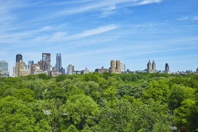 The property offers panoramic, unobstructed views of Central Park and the NYC skyline. It is one of only ten private condominiums within a boutique, residential building on 5th Avenue. NewYorkLuxuryAuction.com.