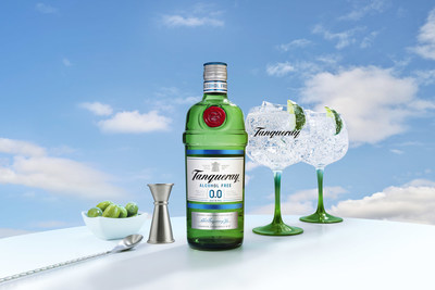 NEW TANQUERAY 0.0%: ALL THE TASTE, ZERO ALCOHOL. Crafted from the same distilled botanicals as London Dry, Tanqueray 0.0% offers an alcohol-free option that captures the unmistakable spirit of Tanqueray perfectly.