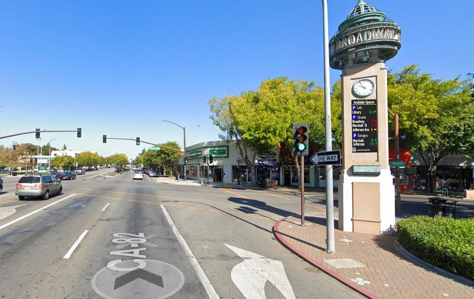Un vistazo al moderno sistema de estacionamiento de Cleverciti en Redwood City (PRNewsfoto/Cleverciti Systems)