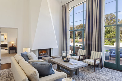 OVI SpaPenthouseSuite Moonrise LivingRoom Fireplace 17031C112
