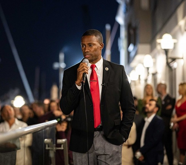 Major Williams, a Republican candidate for California Governor, and his campaign team is preparing for a successful recall of Gavin Newsom.